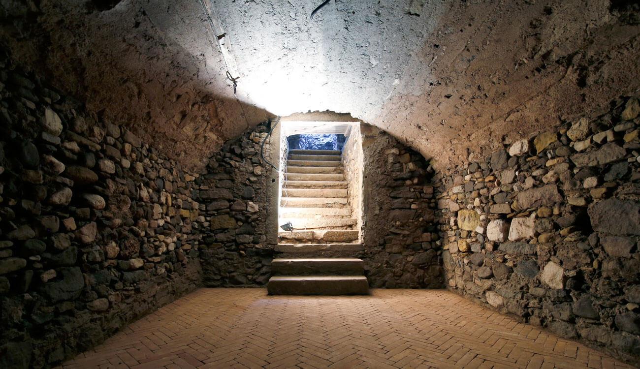 Historische Gewölbekeller als Geschäftsfläche zum Verkauf