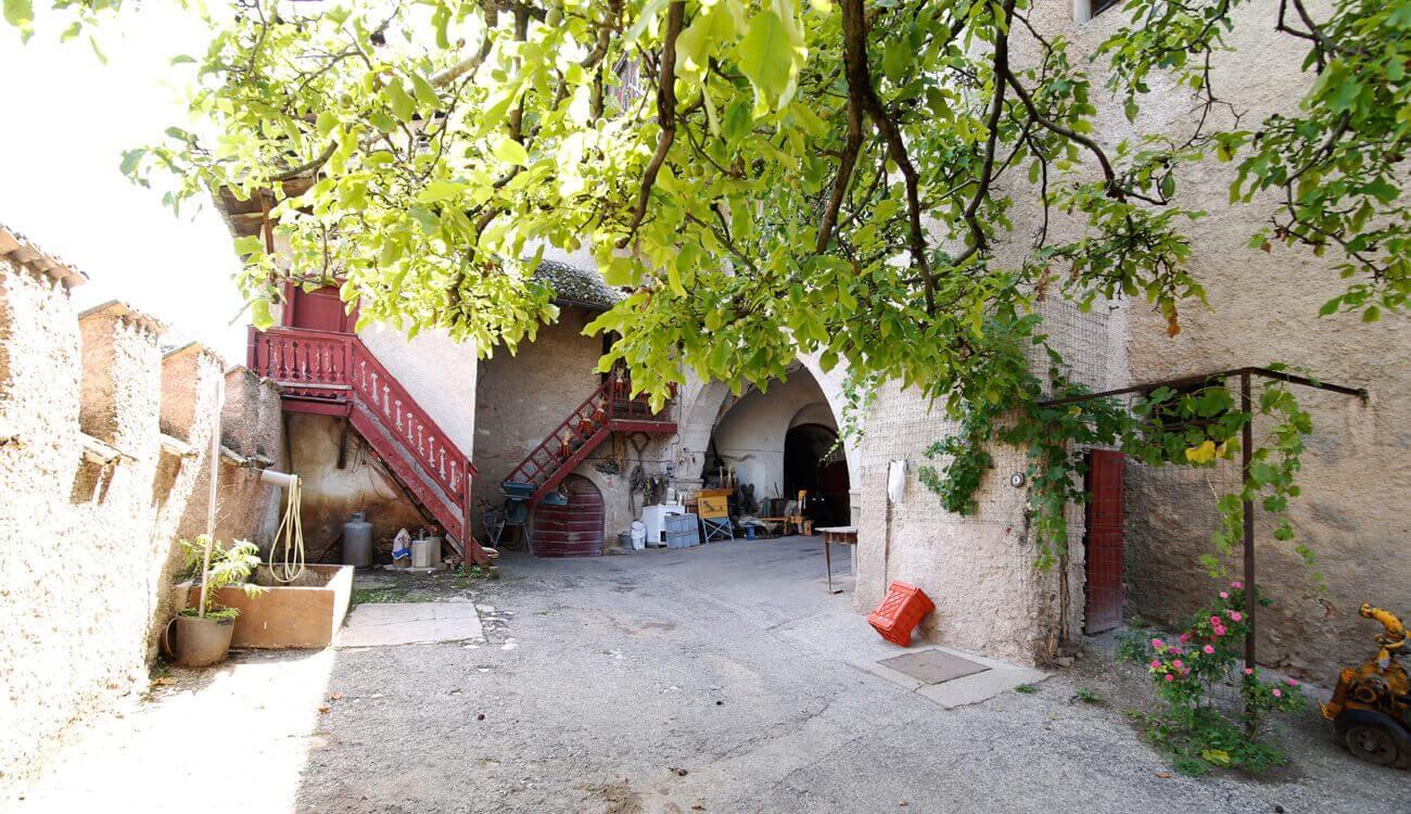 Innenhof Historischer Ansitz Tramin