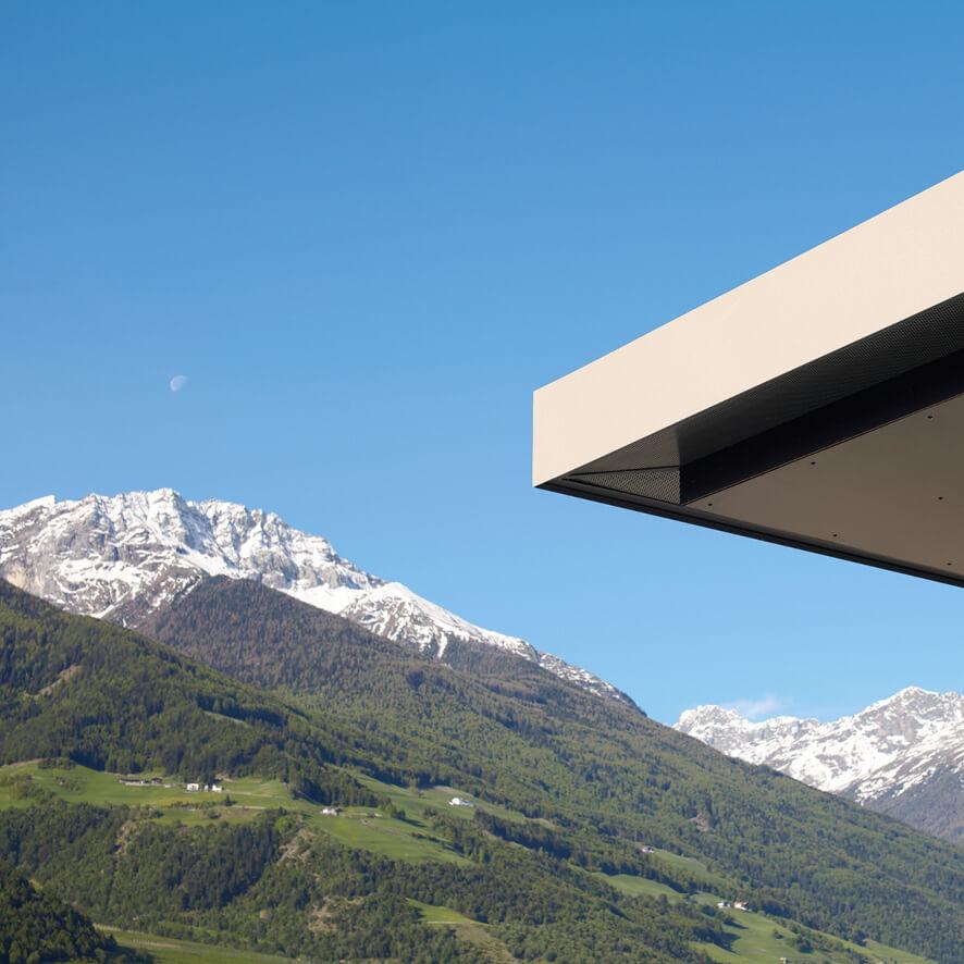 Feldweg – Dachdetail