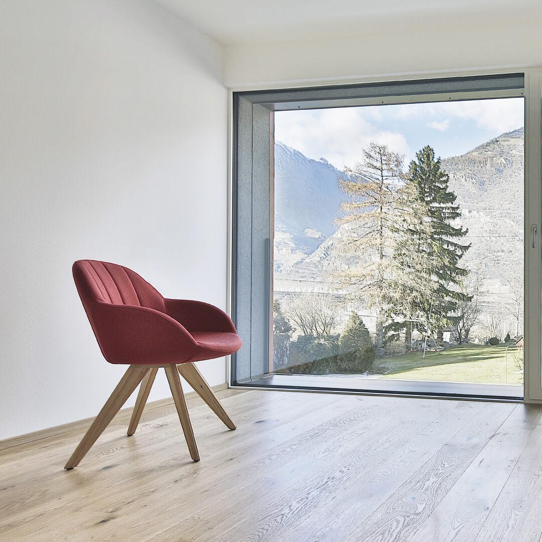 Wohnanlage Kellerbach – Stuhl mit Aussicht