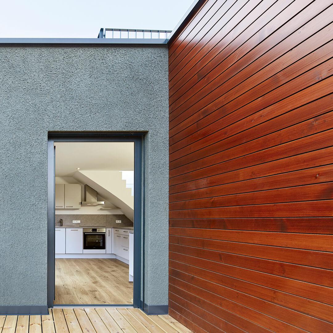 Casa Kellerbach – Dettaglio balcone e cucina